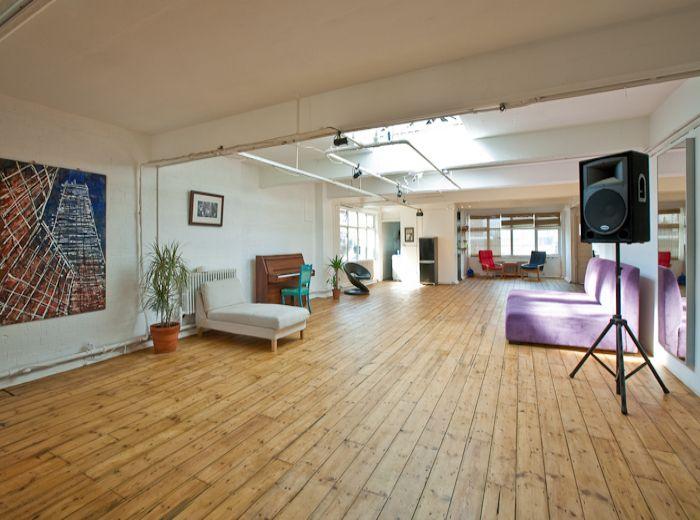 Pleasing Rent My 5 Bed Studio East London Londonrentmyhouse Com Home Interior And Landscaping Fragforummapetitesourisinfo
